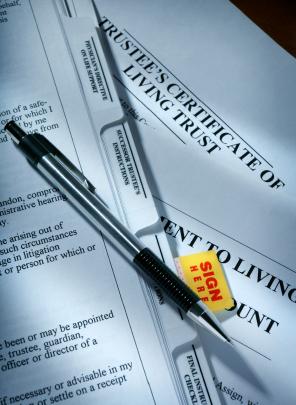 lawyer vs attorney  definition